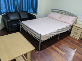 Double Room To Let in Plaistow With Bills £500
