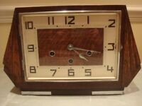 RETRO/VINTAGE WESTMINSTER CHIME MANTEL CLOCK