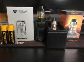 Vape kit with two tanks and batteries