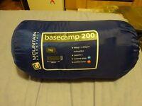 Sleeping Bag - Mountain Essentials Basecamp 200
