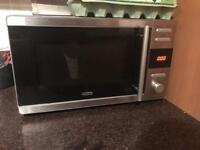 Black and chrome 800w microwave