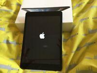 iPad mini black 16gb In excellent condition . Wi-fi & cellular