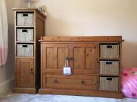 Beautiful changing unit for baby / toddlers bedroom