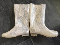 Reduced Ladies ivory wedding wellies / Wellington boots size 5 UK - must sell by Tuesday 19th Sept