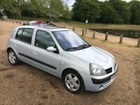 2004 54 RENAULT CLIO 1.4 AUTOMATIC 5 DOOR **SUNROOF** DRIVES LIKE NEW £1400