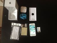 boxed iphone 5, 16gb, white & silver, on EE & virgin, working order,