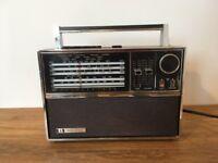 Vintage Bush VTR 178 radio