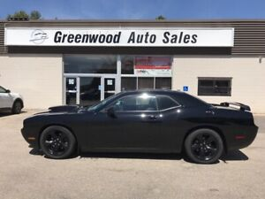 2013 Dodge Challenger R/T 6 SPEED HEMI WITH LOW KM's,Leather,...