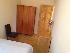 NO FEES. ALL Bills Inc. 1 Double Room near Tram, NTU & City. Very Quite House, £350.00 pcm.