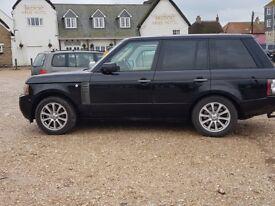 Land Rover Range Rover 4.4 TD V8 Vogue 5dr - 6 month LR warranty remaining
