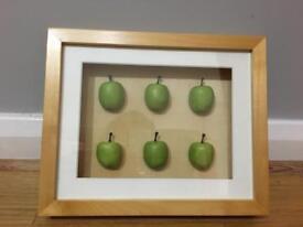 Apple 3D box frame