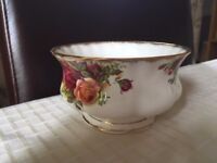 Royal Albert large Sugar Bowl (Old Country Roses)