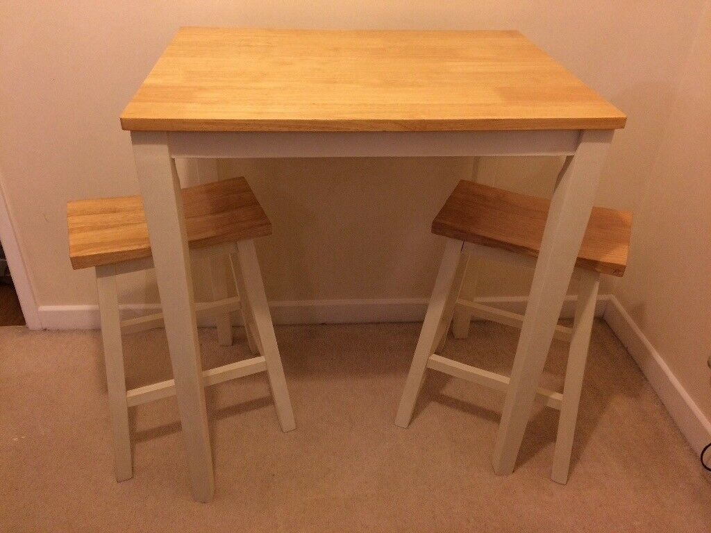 Shabby Chic Breakfast Bar/kitchen table and 2 Stools
