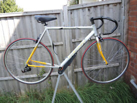 """SARACEN VENTOUX PROJECT BICYCLE - 23"""" 58CM ALLOY FRAME - SOME NEW PARTS INCLUDED"""