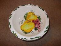 Ceramic bowl with coloured decoration