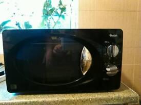 Swan black microwave
