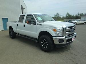 2015 Ford F-350 XLT-BUILT TO WORK+ 4 WINTER TIRES
