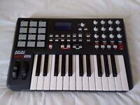 AKAI MPK 25 Midi Keyboard (like new!)