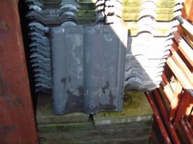 Grey Stratton double Roman roofing tiles, 22 tiles,