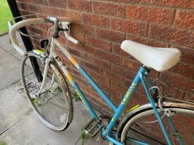 Vintage Emmelle ladies city bike