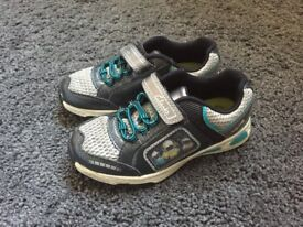 Clarks light up shoes size 8 and a half f