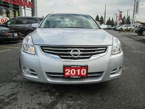 2010 Nissan Altima S, Heated seats, Sunroof, Blue tooth