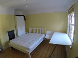 Two Double Rooms available, Student Houseshare, Golden Triangle, 300PCM