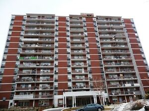 BEAUTIFUL 1 BR AVAILABLE IN PORT CREDIT