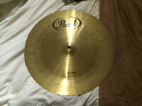 "Cymbal Pearl 18"" China. Good condition."