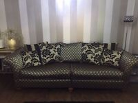 Large Sofa Settee with reversible Scatter Cusions in Black & gold - Sofology