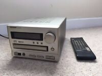 ONKYO CR-185ii CD Receiver - player & radio inc. amplifier. Remote control included