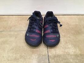 Kids Puma football boots, size11