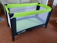 TRAVEL COT EXTRA STRONG IN LIME GREEN/BLACK COMPLETE WITH MATTRESS