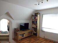 Unique Top Floor Studio within Walking Distance To East Croydon Railway Station (CR0)