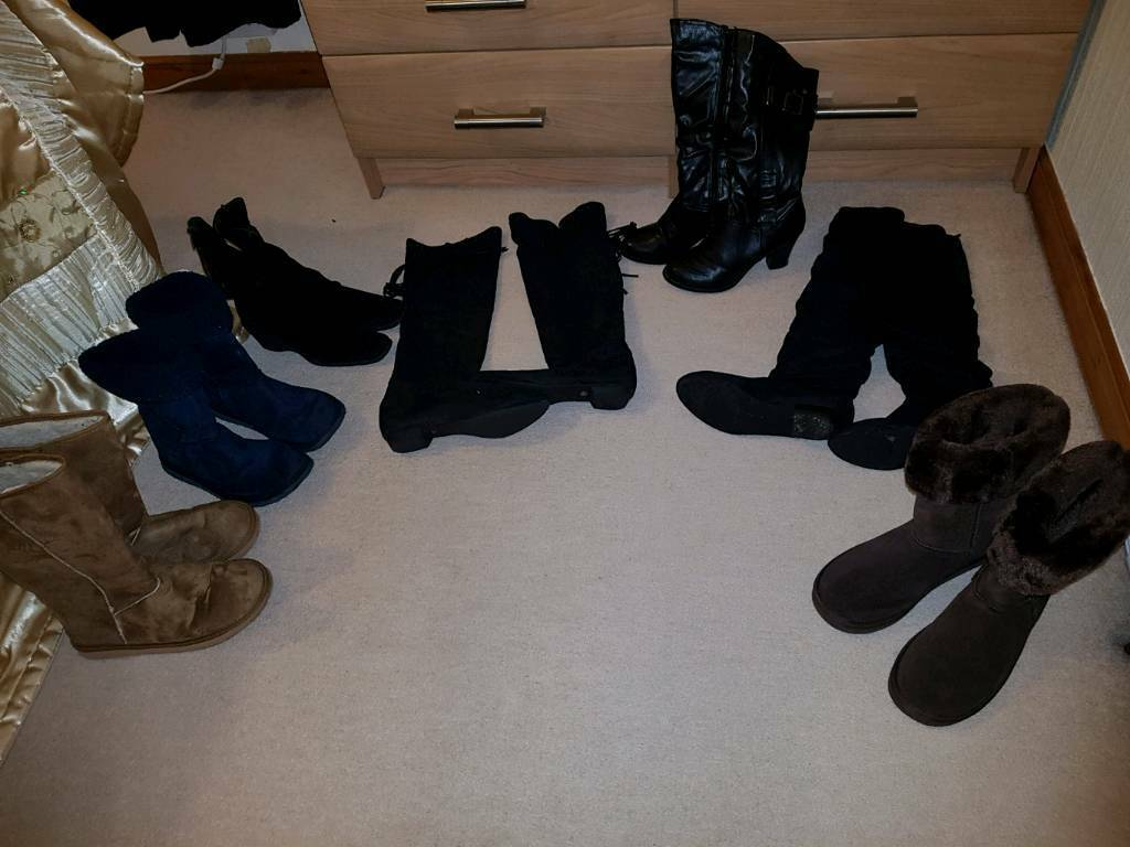 Bundle of womens winter boots