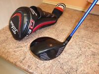 Titleist 913D2 Driver, 10.5º . Choice of Stiff Flex or Reg Flex Shafts. With headcover and tool