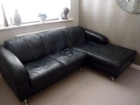BLACK LEATHER 2 SEAT SOFA WITH CHAISE