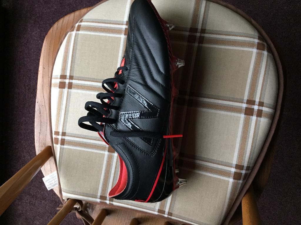 Mens New balance leather football boots 9.5