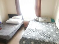 BRIGHT TWIN ROOM for 2 FRIENDS AVAIL in SHEPHERD's BUSH