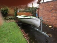 17 ft fibreglass boat