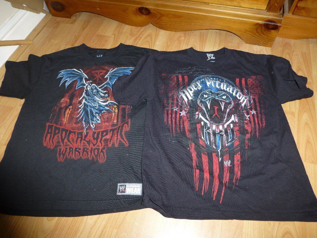 good used condition authentic WWe t shirts and chain youth Medium