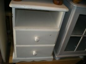 REDUCED-THICK PINE BEDSIDE TABLE