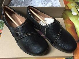 "NEW Clarks womens shoes ""Evianna Boa"" Blk Tumbled Lea UK 3.5, EU 36"