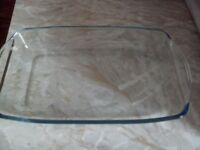 OVEN DISH (glass) - perfect condition - offers accepted