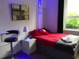 Unique Private Studio flat in new town. Bills and internet paid by the landlord!