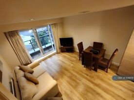 1 bedroom flat in Ensign House, London, NW9 (1 bed) (#1139978)