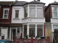 3 Bedroom house with 2 Reception and Big Garden To Let in Monpelier Garden, E6 3JF