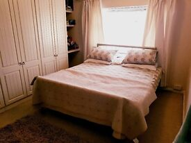 Double /single Rooms to rent
