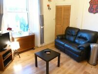 2 bedroom top floor fully/part furnished flat for rent on Dalry Road, Edinburgh