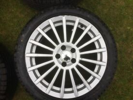 4 x 17in alloy wheels with new tyres (from Alfa Romeo gt)